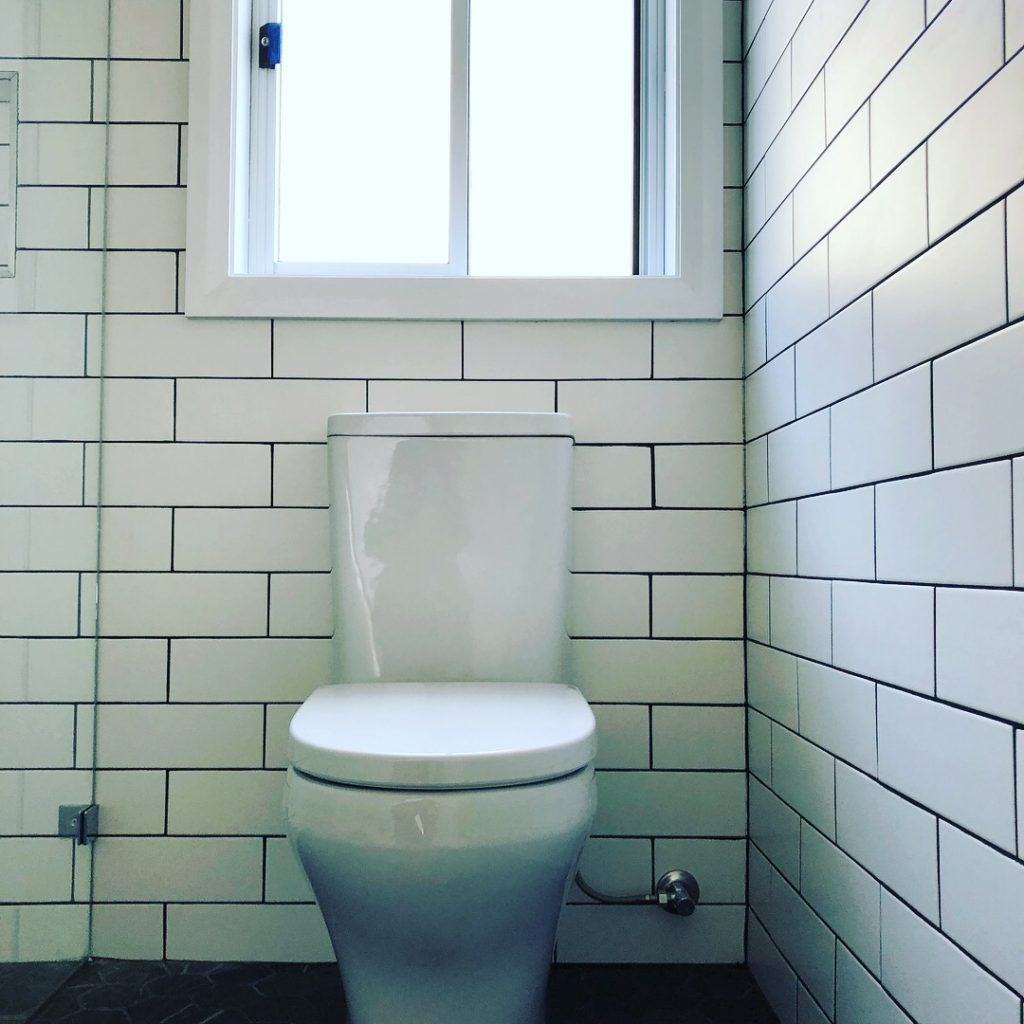 How Much Does it Cost to Replace a Toilet?